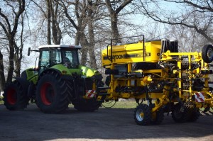 Claas_Axion_850_With_Claydon_Hybrid_T4_Mykolayiv_03